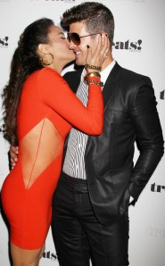 rs_634x1024-130905060918-634.PaulaPatton.RobinThicke.pda.album.nyc.9313