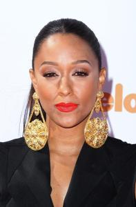 Tia-Mowry-dress-2014-Nickelodeon-Kids-Choice-Sports-Awards-1