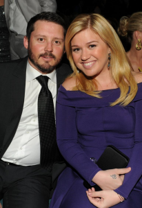 Kelly-Clarkson-and-her-husband-206x300