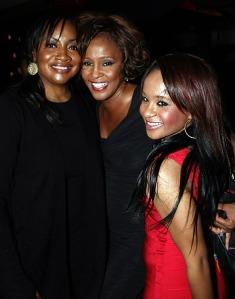(l-r) Pat Houston, Whitney Houston, and Bobbi Kristina Brown