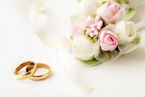 wedding rings and flowers kontrol magazine