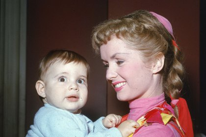 , The Year of The Grim Reaper–Actress Debbie Reynolds Dies A Day After Her Daughter, Carrie Fisher…